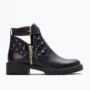 Zara quilted leather booties black Sz 38 eur